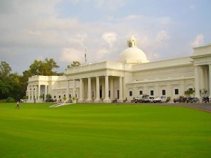 Know the course options in IIT Roorkee according to your rank in JEE!