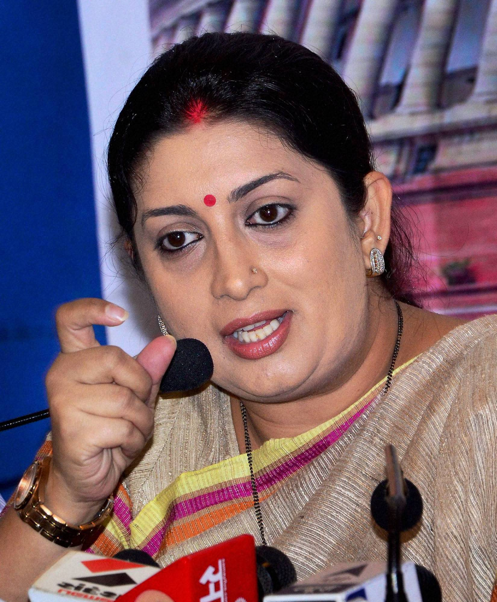 Disturbed by Smriti Irani's Decision, IITian Files Online Petiton: Country Shows Support!